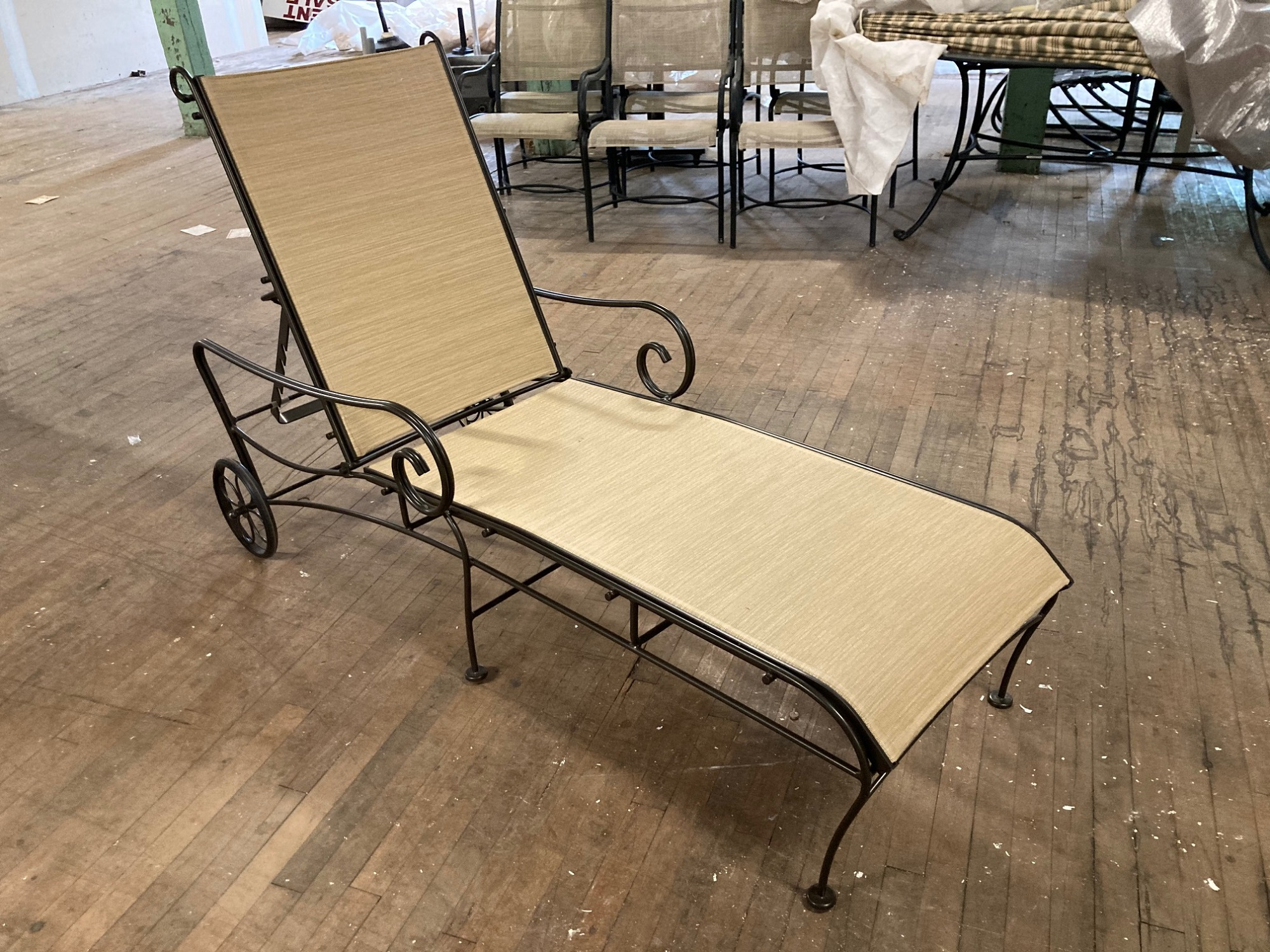 Woodard Sling Chaise