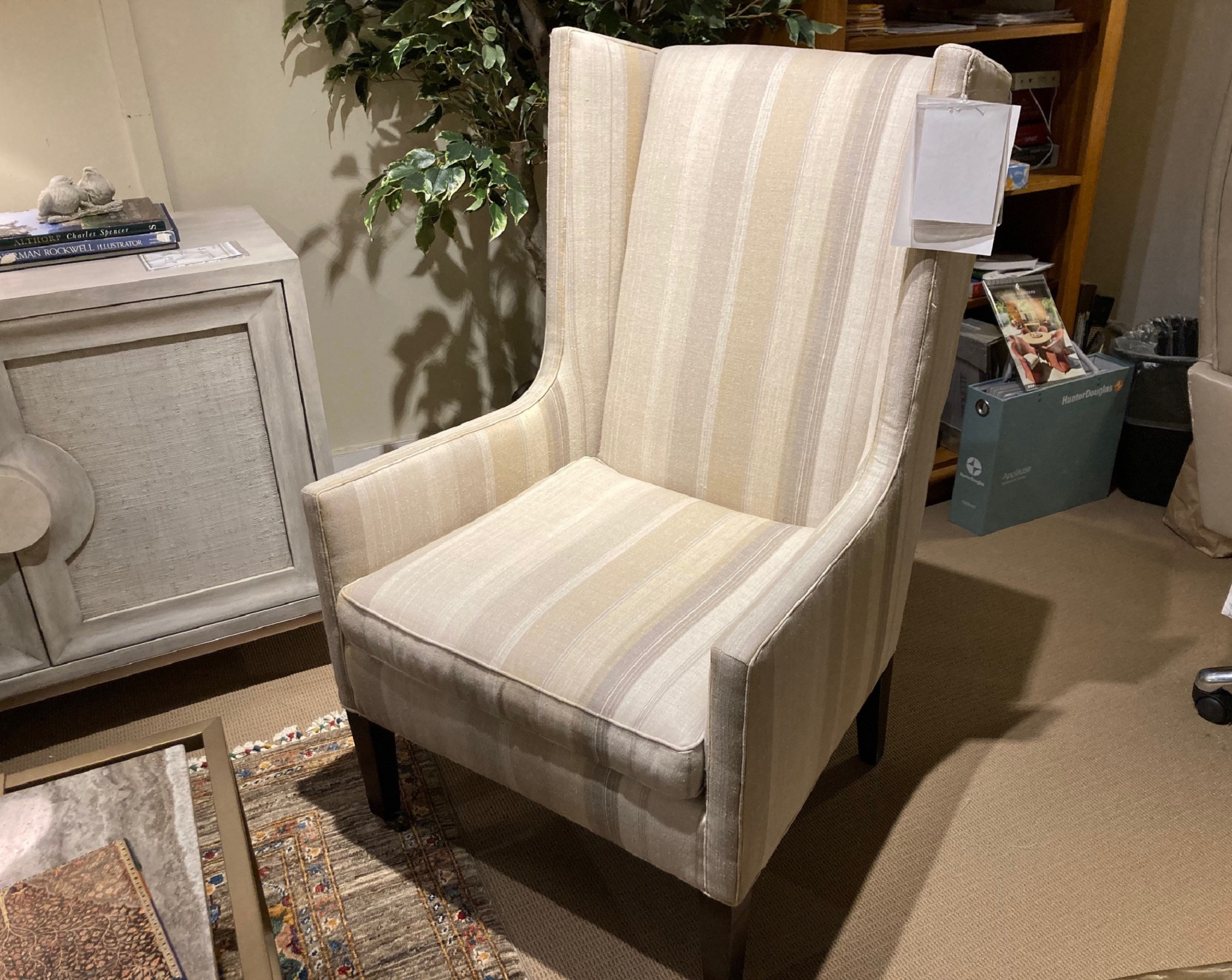 Lee Chair